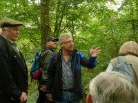 Münzenberg03_Prof._Prinz-Grimm_erläutert_die_Geologie_WO