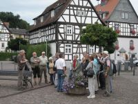 h_BadVilbel_am_Marktplatz_Blick_auf_Brunnen