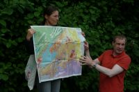 E04_Dr._Michael_Barth_erläutert_die_geologische_Karte_WO