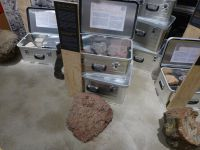 04_KB_Gesteine_beim_Transporter_des_Geologen