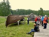 2b7_Museum_Groß_Raden_Nachbau_eines_slawischen_Bootes_el